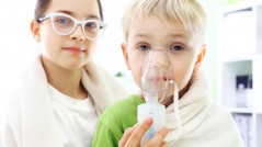 Siblings boy and g inhalation during home treatment